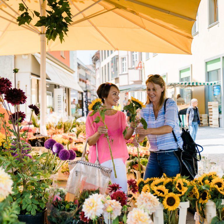 Blumenmarkt in Bludenz (c) Hefti Fotografie I Bludenz Stadtmarketing GmbH