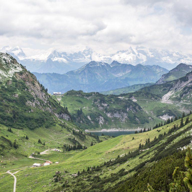 Blick auf Formarinalpe und Formarinsee © Helmut Düringer / Vorarlberg Tourismus
