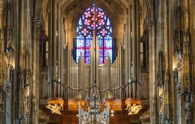 Riesenorgel-Stephansdom-Rieger-Orgelbau(c)Steve-Schönlaub