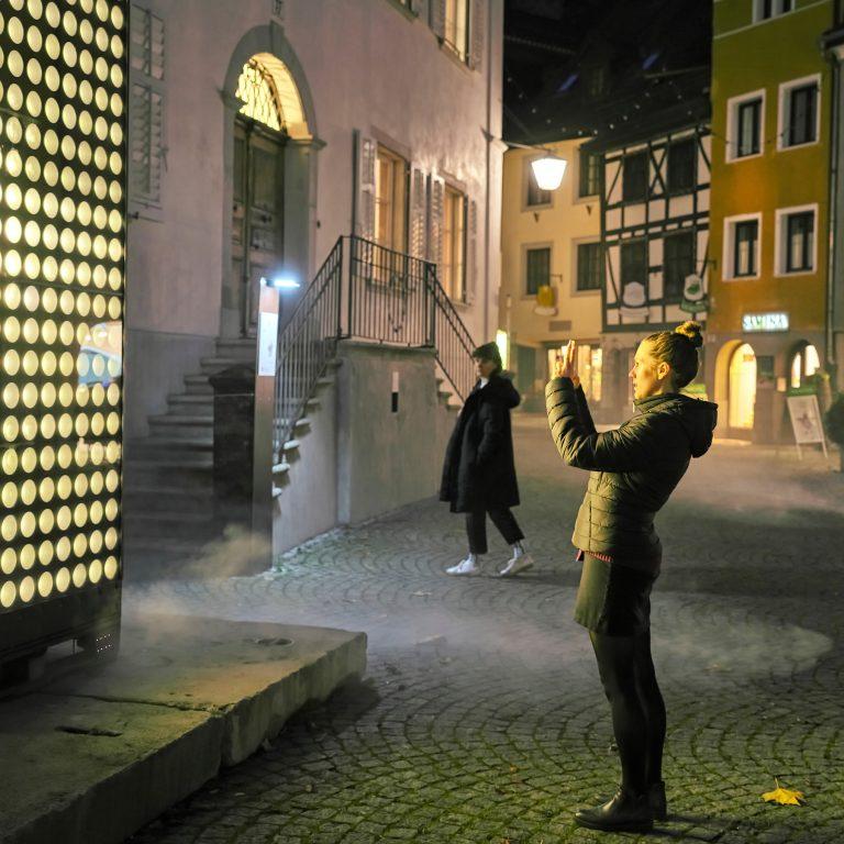Lichtstadt Feldkirch, Spotlight 2020, NEON GOLDEN PORTAL © Miro Kuzmanovic / Lichtstadt Feldkirch