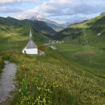 Kapelle am Simmel mit Blick Richtung Warth
