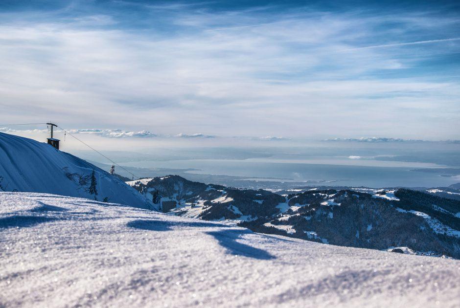 Skigebiet Niedere mit Bodensee (c) Michael Meusburger / Seilbahn Bezau