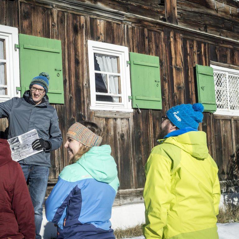 Winterwandern auf dem Walser Kulturweg (c) Kleinwalsertal Tourismus