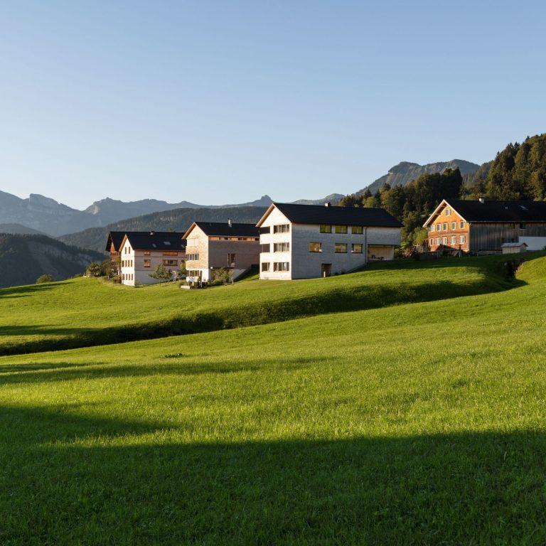 Häuserensemble in Schwarzenberg Oberkaltenberg, Urlaub in Vorarlberg (c) Johannes Fink - Bregenzerwald Tourismus